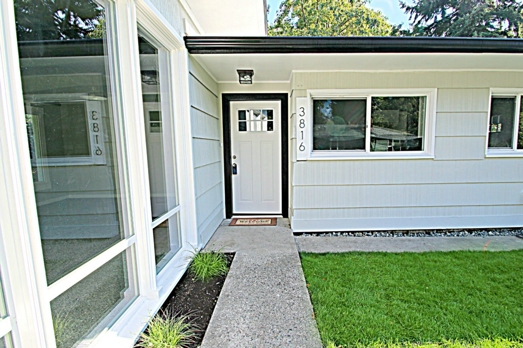 Midcentury remodel in a great secret tacoma neighborhood for 169k for Bathroom remodeling tacoma wa
