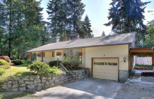 Mid-Century Home on half an acre, in the middle of Tacoma!?